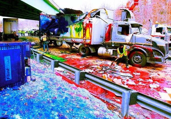 60 ton tiskarske barve razlite na avtocesti